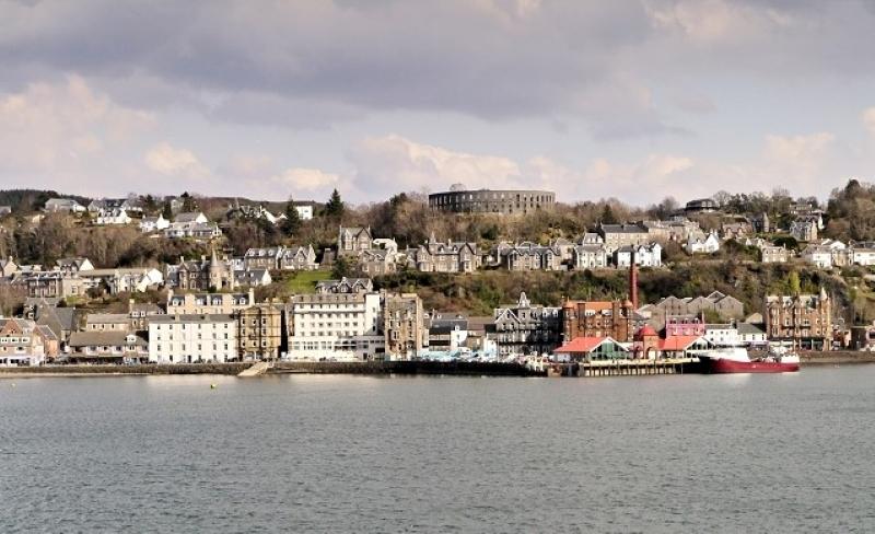 Photograph by David Dixon/Geograph UK https://www.geograph.org.uk/photo/3910564